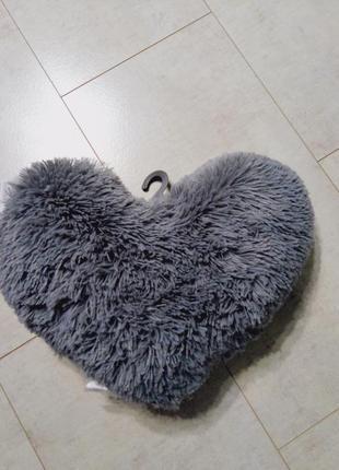 Подушка пушистое сердце