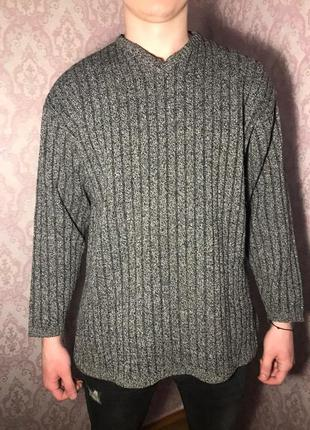 Мужской плотный свитер