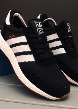 Новые кроссовки Adidas Iniki