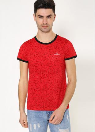 Мужская повседневная футболка красного цвета