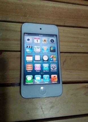 Цифровой плеер Apple iPod touch 4 8Gb
