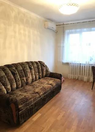 Продам 3-х комнатную квартиру с ремонтом на Крымском бульваре.