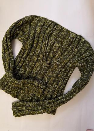 Тёплый свитер ручной работы