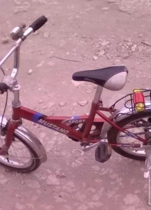 Продам детский велосипед с колесами  на 16