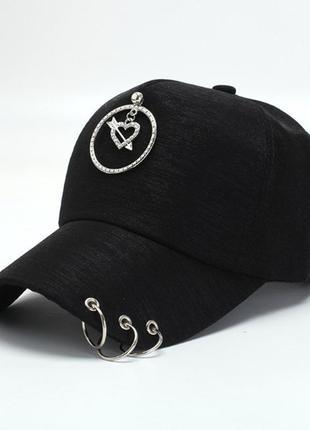 Кепка бейсболка сердце с кольцами  черная