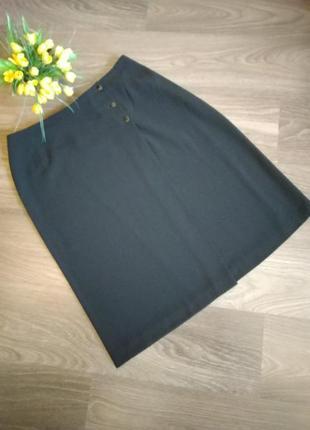 Классическая черная юбка на запах