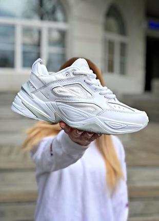 Белые кроссовки женские найк