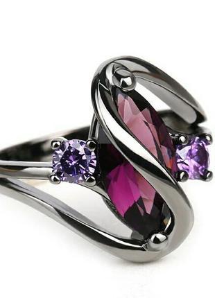 Кольцо с фиолетовым камнями кубический цирконий чёрное матовое...