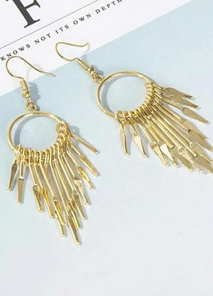 Модные серьги в стиле панк с кисточками золотистого цвета