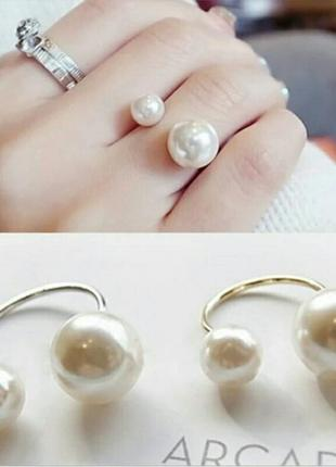 Стильное кольцо с крупным жемчугом  регулируемый размер серебр...