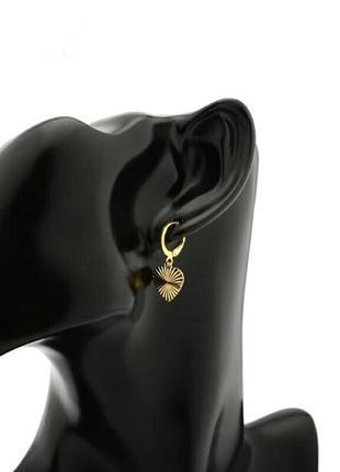 Нежные серьги золотые сердечки