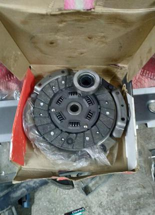 Комплект сцепления ВАЗ 2121 (диск нажимной, ведомый, подшипник) к