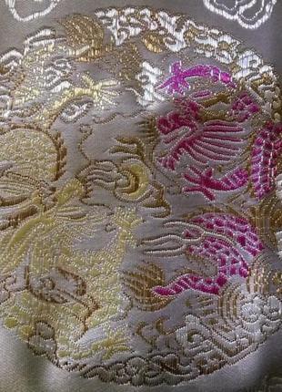 Очень красивый шелковый двухслойный шарф с драконами из китая....