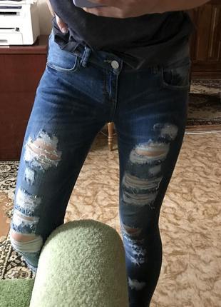 Новые джинсы от terranova