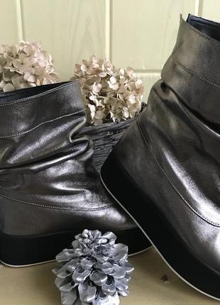Кожаные стильные зимние ботинки р.36