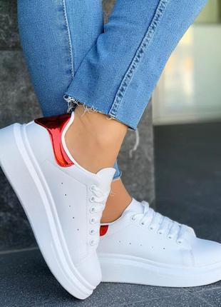 Белые кеды/кроссовки с красной пяточкой,белые кроссовки /кеды ...