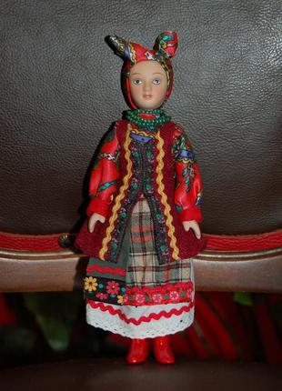 Продам статуэтку: фарфоровая кукла для интерьера, коллекционна...