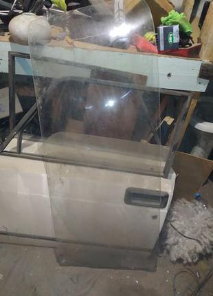 Заднее стекло на ваз 2105 / Жигули 5 / заднее стекло