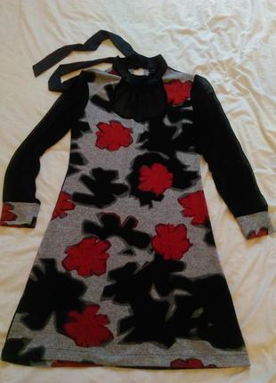 Оригинальное комбинированное платье красивый принт цветы