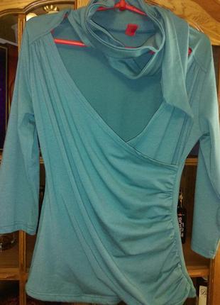 Трикотажная блуза с шарфом