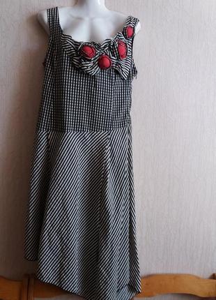 Оригинальное платье-асиметрия  с розами м-л  п62