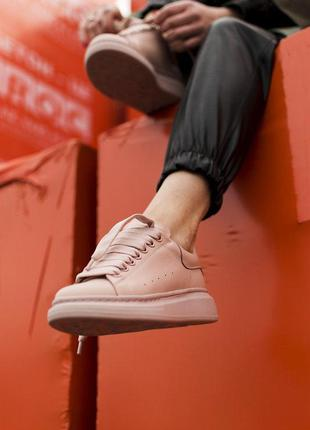 Новинка! крутые женские кожаные кроссовки alexander mcqueen beige