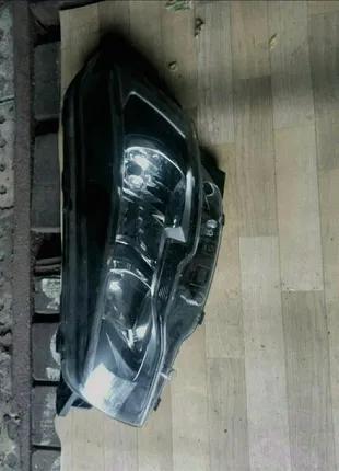Peugeot 508 фара левая с дефектом.