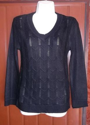 Джемпер чёрного цвета модной ажурной вязки