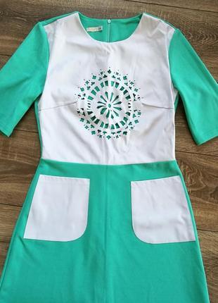Мятное платье со вставками из эко-кожи, с-м