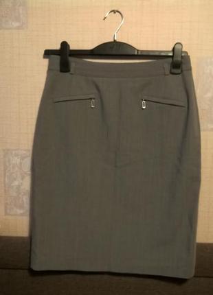 Классическая узкая деловая  юбка светло-серая