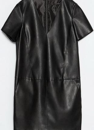 Платье из кожзама, трапециевидное, с v-образным вырезом zara