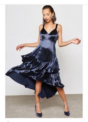 Идеальное вечернее выпускное праздничное платье из плотного ат...