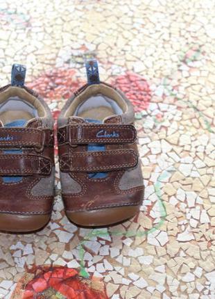 Детские кожаные пинетки-мокасины clarks first shoes р.19
