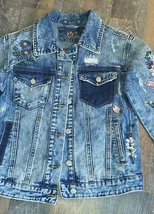 Джинсовые пиджак с вышивкой размер S