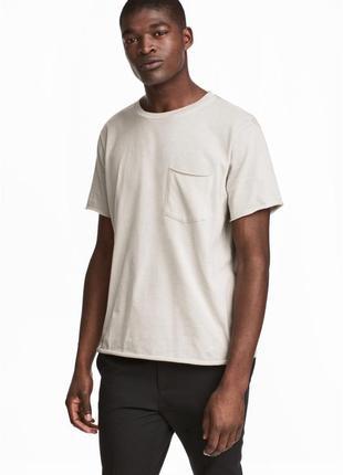 Бежевая футболка h&m x the weeknd collection с нагрудным карма...