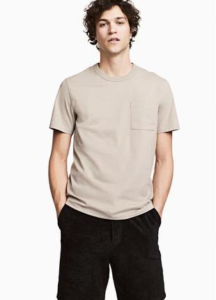 Бежевая футболка h&m с нагрудным карманом !