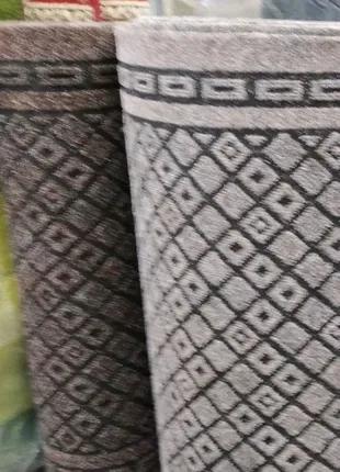 Дорожки грязезащитные на резиновой основе.