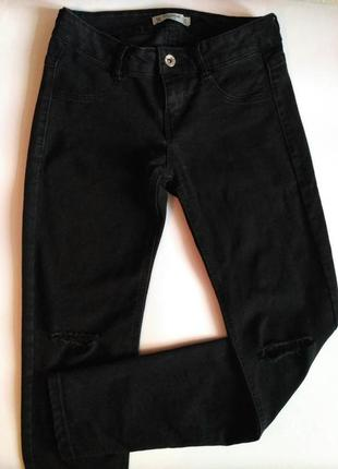 Чёрные джинсы pull&bear , джинсы с дырками