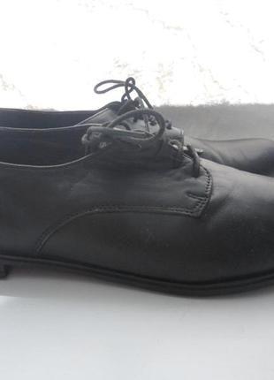 Школьные туфли на шнурках 36 размер  броги оксфорды