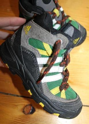 24 разм. ботинки adidas. замша us 7. fr 24