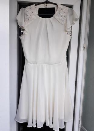 Нарядное вечернее белое платье asos шифоновое с воланом камням...