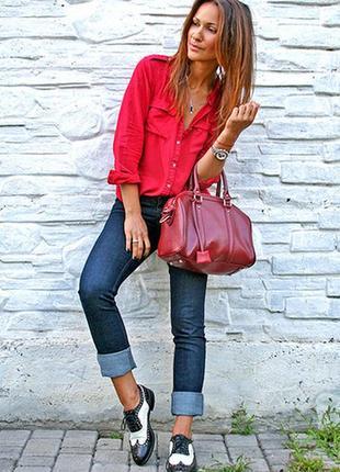 Designer красная рубашка с карманами на груди 38 размер