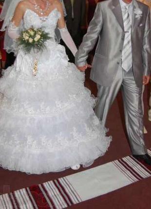 Женское свадебное платье камни сваровски французские кружева