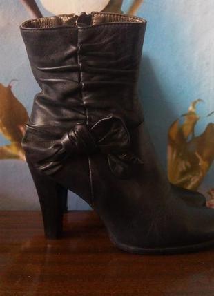 Кожаные ботинки полусапожки осень весна