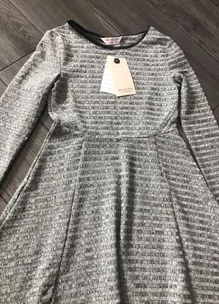 красивое платье на девочку 6-8