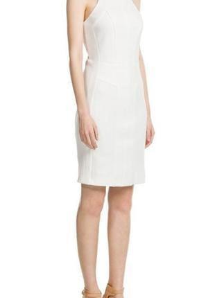 Модное и стильное приталенное платье mango