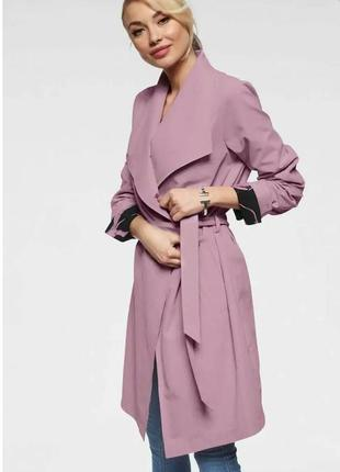 Актуальный плащ тренч на запах розовый сиреневый бренда jacque...