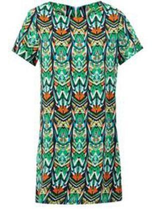 Стильное платье прямого покроя №112