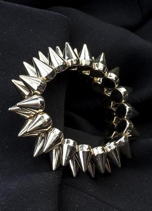 Пластиковый браслет