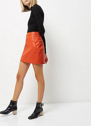 Актуальная яркая оранжевая мини юбка из кожзама №119